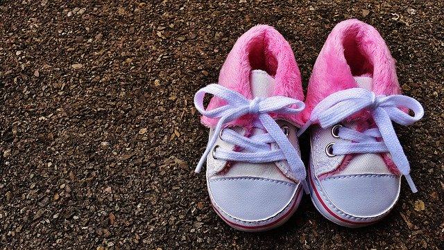 子どもの靴を買うならプライム・ワードローブが最強。自宅で選び放題!