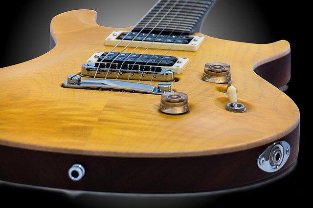 絶対弾きたい。ギターのイントロがかっこいい曲ランキングTOP10