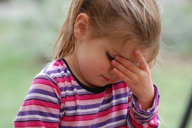 頭痛には白花油!香港土産としてもおすすめな白花油が頭痛の悩みを解消します