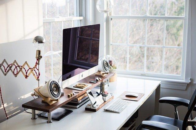 在宅勤務のコツと注意点まとめ。快適な職場は自分で作れる!