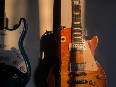 ギターを上達したいならオンラインレッスンがおすすめ。
