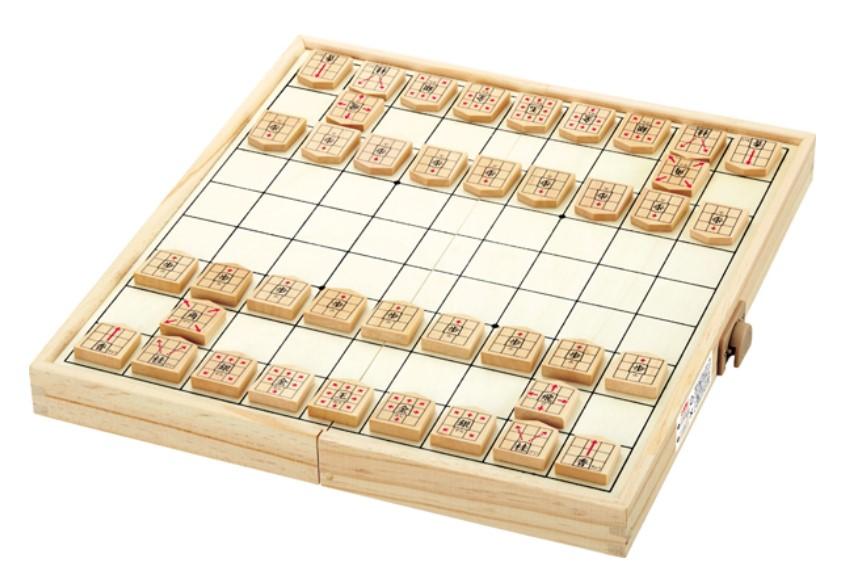 スタディ将棋の将棋盤と駒の写真