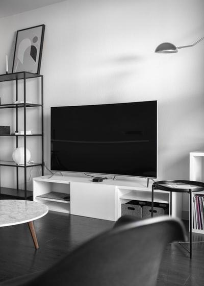 テレビの内蔵スピーカーにこだわる必要なし。音質はサウンドバーで向上可能