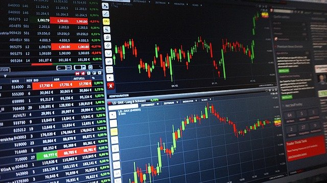 株式投資初心者は知らないと損。絶対に押さえたいおすすめ無料サイト